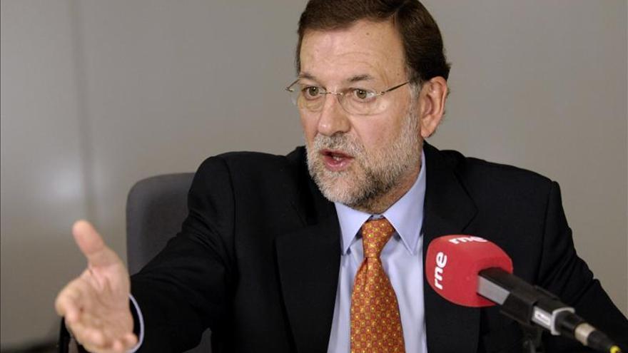 El presidente del Gobierno, Mariano Rajoy, durante una entrevista en RNE