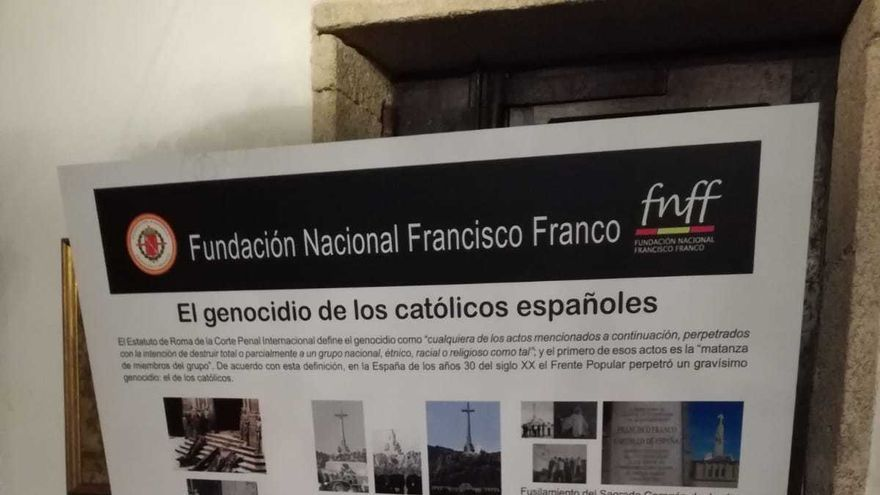 Cartel de la Fundación Francisco Franco en el Pazo de Meirás
