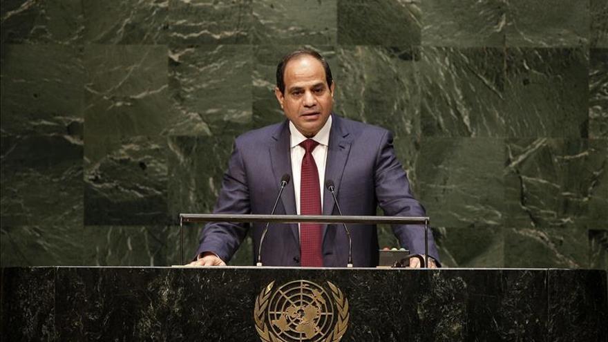 HRW critica a Egipto por ampliar casos para juzgar a civiles por lo militar