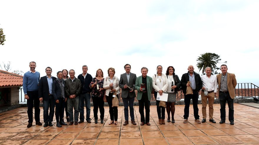 Imagen de la cata del concurso la Gran Oliva de Oro, celebrada en Tenerife.