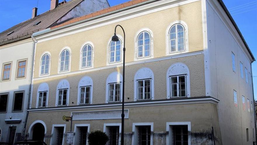 Austria decide derribar la casa natal de Adolf Hitler