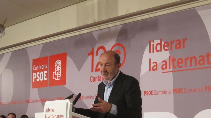 Pérez Rubalcaba participa mañana en la comida de Año Nuevo de los socialistas cántabros