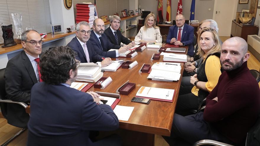 """Cifuentes aboga por un """"bloque constitucionalista"""" que devuelva a Cataluña a """"la senda del progreso"""""""