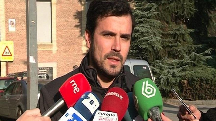 """Garzón afirma que el Rey ha comprado """"el discurso del PP"""" y demuestra que está alejado de """"la mayoría social"""""""
