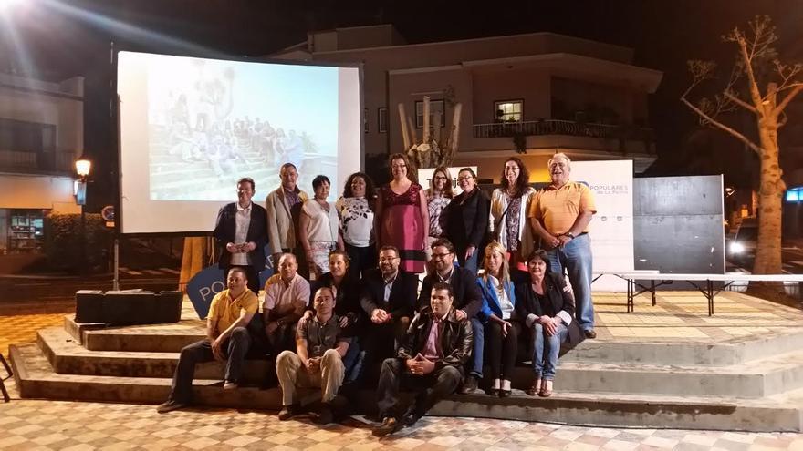 En la imagne, los miembros de la lista del PP al Ayuntamiento de Breña Alta con los candidatos al Cabildo y al Parlamento regional por la Isla.
