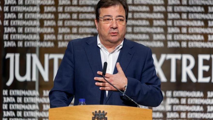 Vara responde a Arrimadas que menos llamadas a los barones y vote por Sánchez