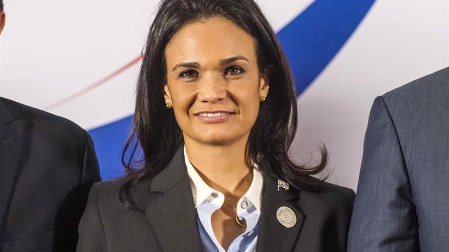 Vicepresidenta panameña aplaude ley que fija cuota de mujeres en directivas
