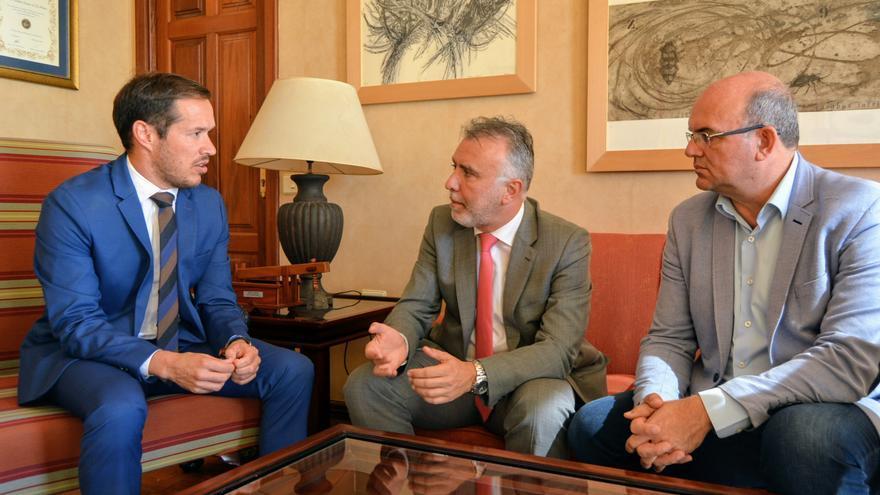 Reunión de Ángel Víctor Torres en el Cabildo.