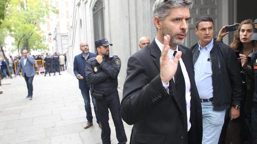 El abogado de Junqueras denuncia irregularidades en el traslado de los detenidos a la cárcel, pero no precisa cuáles