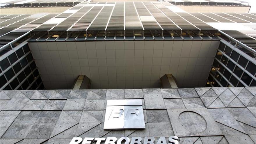 La brasileña Petrobras niega que pretenda vender parte de su distribuidora
