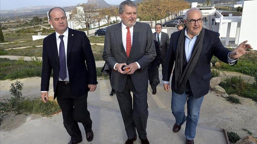 """Méndez de Vigo: """"Antequera merece estar con letras de oro en la historia de la Unesco"""""""