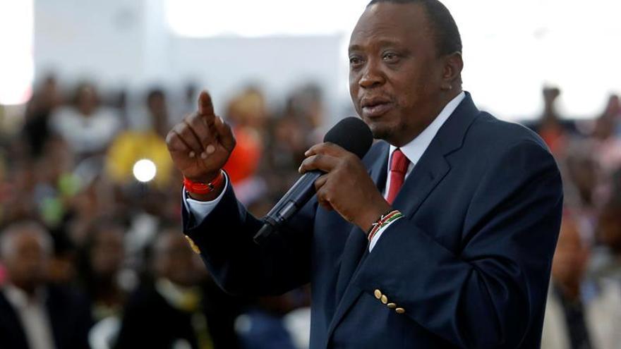 China reconoce los resultados de los comicios y felicita a Kenyatta