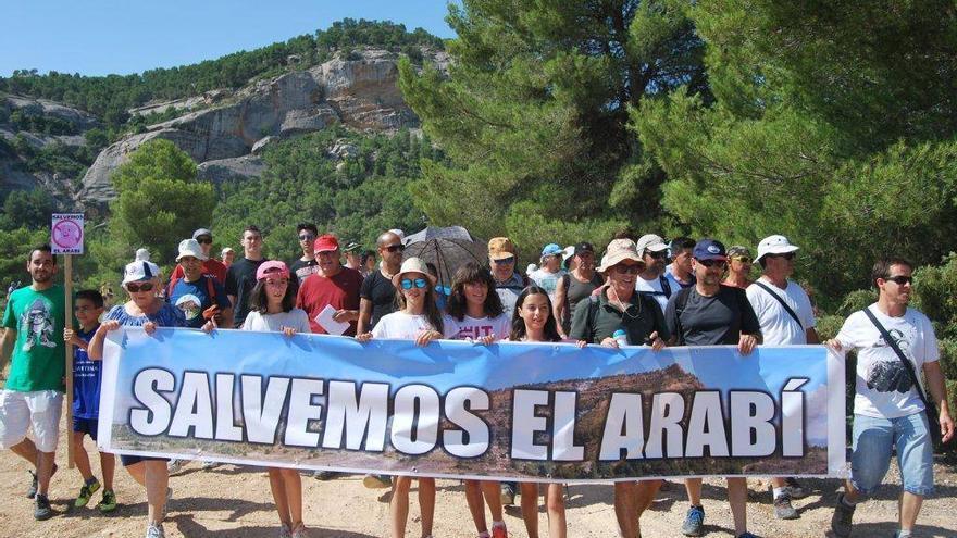 Manifestación en el monte Arabí de Yecla contra la construcción de granas de cerdos del grupo Fuertes El Pozo