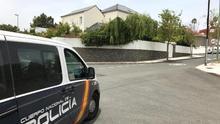 Vigilancia policial ante la casa de José Manuel Soria. (CANARIAS AHORA)
