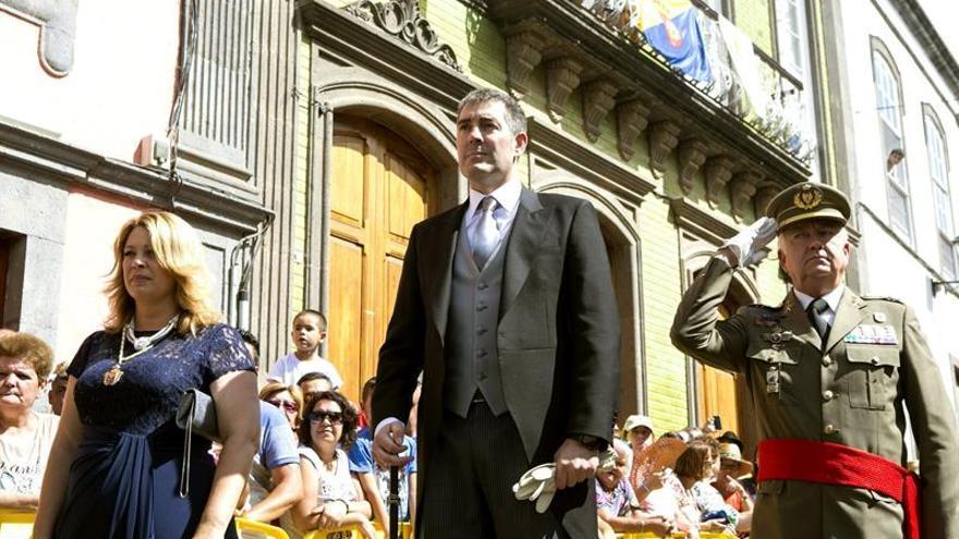 Isabel Guerra y Fernando Clavijo, en los actos por la Virgen del Pino (EFE/QUIQUE CURBELO)