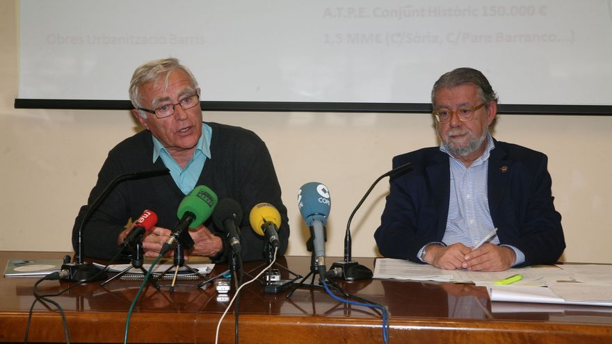 El alcalde de Valencia, Joan Ribó (izquierda) y el concejal de Hacienda, Ramón Vilar