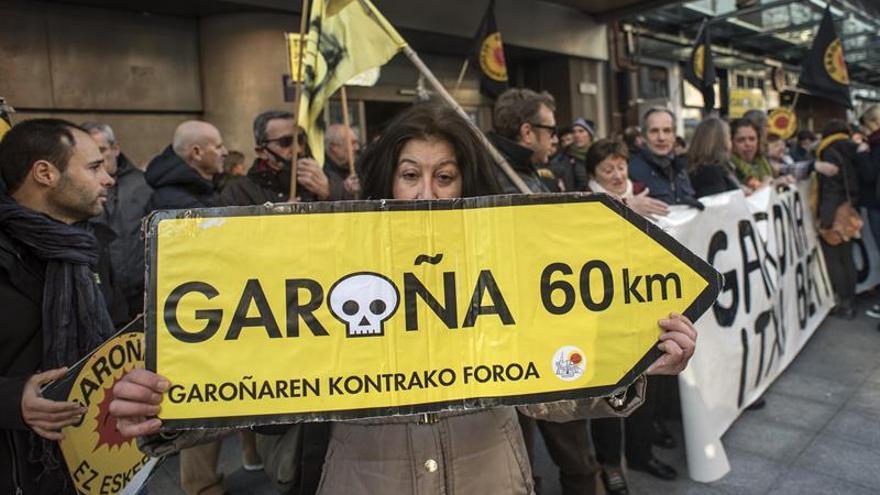 Políticos y ecologistas piden a PNV y PSE que exijan el cierre de Garoña