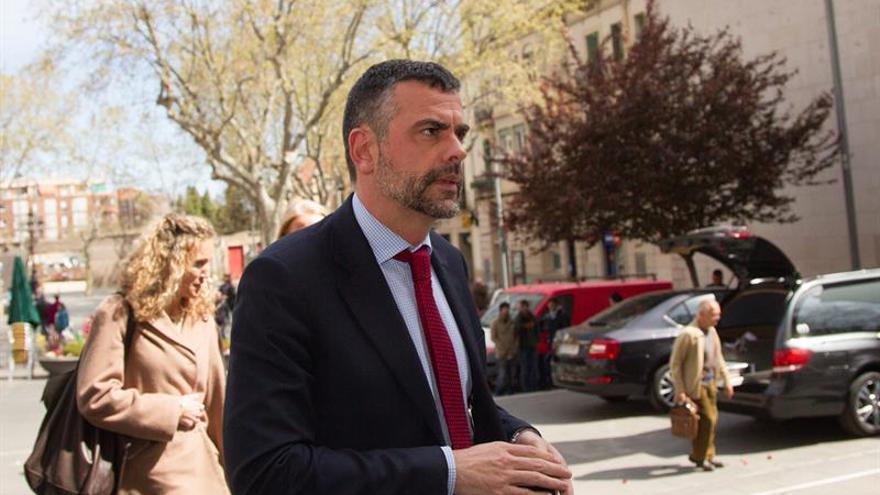 """El conseller Vila: la presión a los alcaldes es """"perfectamente conllevable"""""""