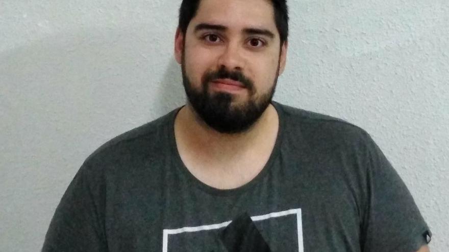 El joven activista, denunciado por la Ley Mordaza