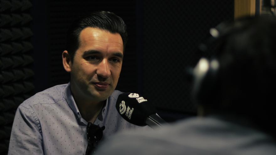 Miguel Lago en Carne Cruda