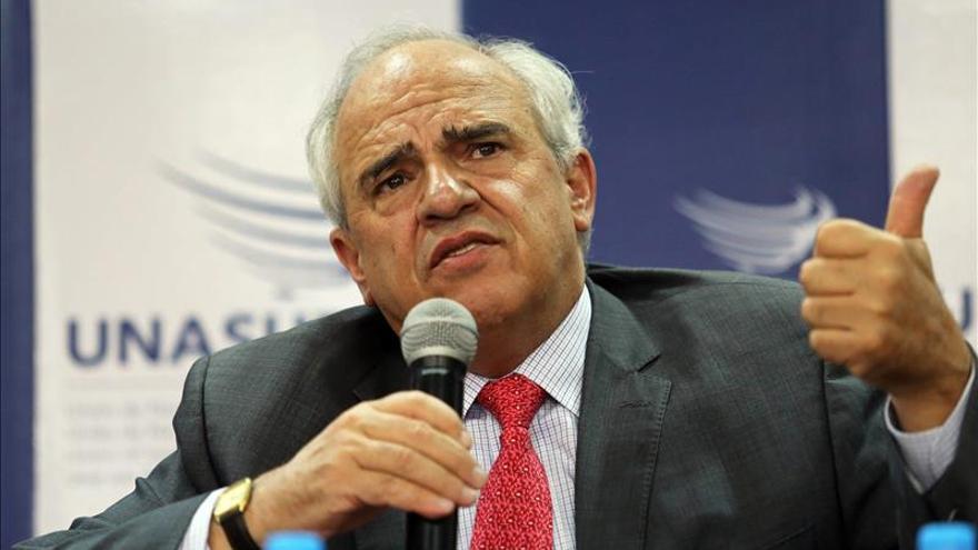 La Unasur pide al Gobierno y a la oposición de Venezuela trabajar por la economía