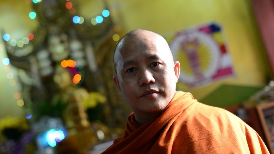 Ashin Wirathu posa en su monasterio. / Zigor Aldama.