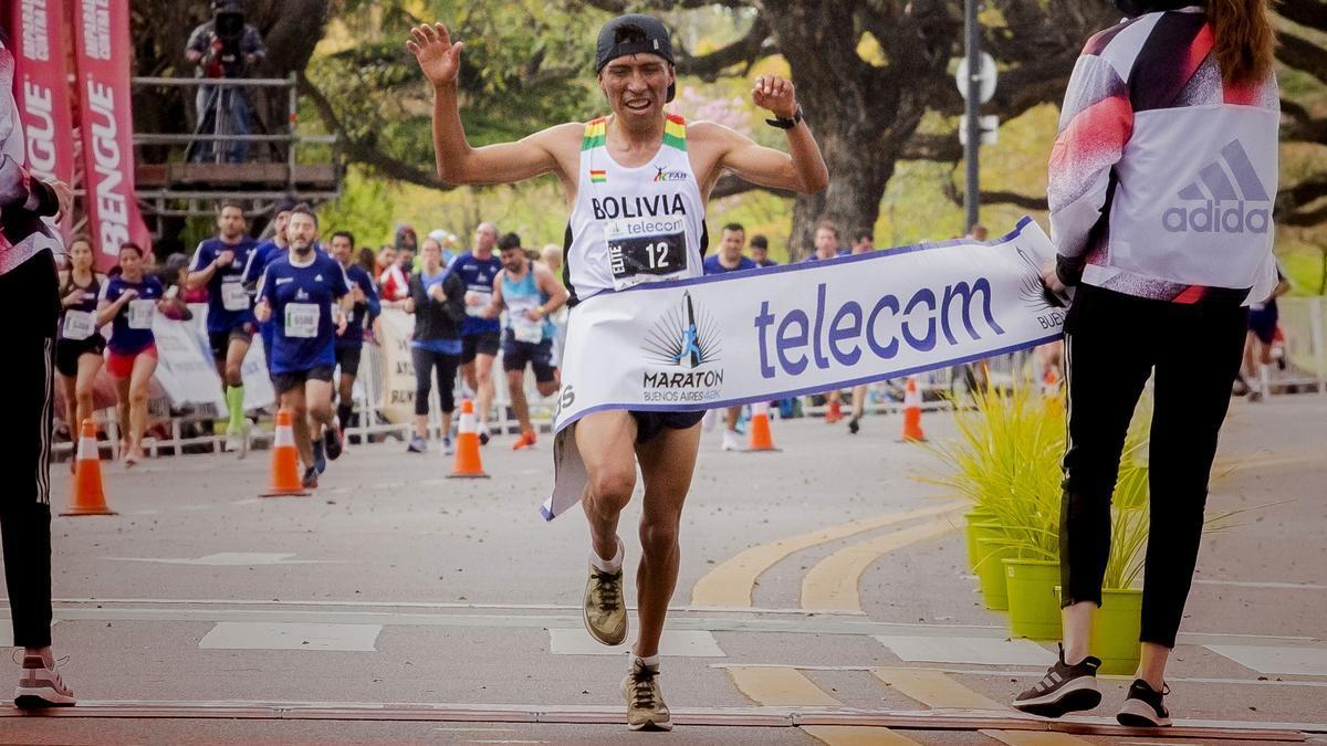 El boliviano Héctor Garibay, ganador del Maratón Internacional de Buenos Aires