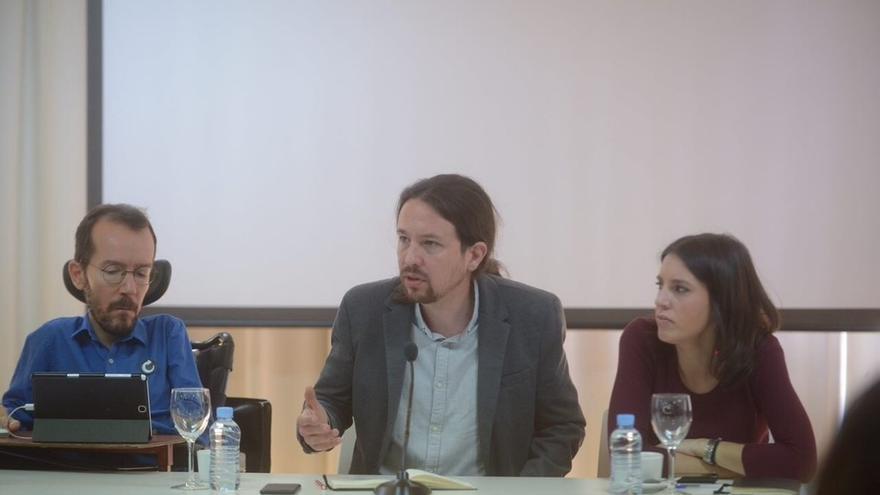 """Iglesias admite los """"enormes riesgos"""" de la moción pero espera que funcione bien, como la de Felipe González en 1980"""