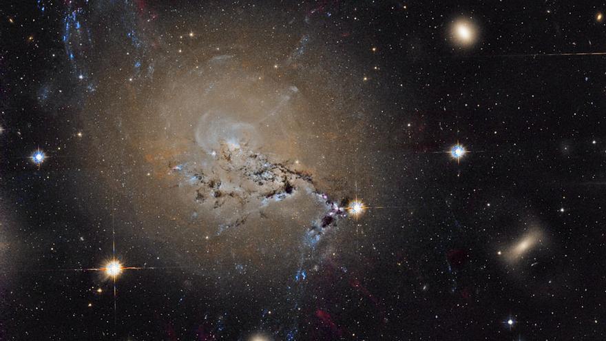 Imagen de la galaxia activa NGC 127 recreada a partir de datos archivados del Telescopio Espacial Hubble. Autor: DOMINGO PESTANA