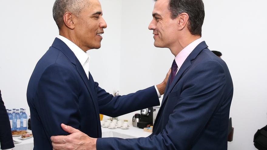 Barack Obama y Pedro Sánchez se reúnen en privado durante la Cumbre Internacional del Turismo en Sevilla