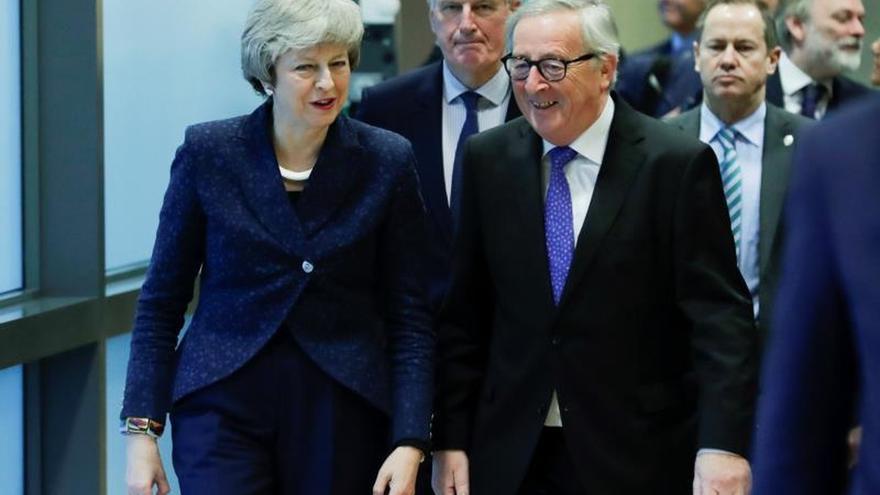 """Juncker, dispuesto a modificar la declaración sobre la relación futura entre la UE y R.Unido tras el """"brexit"""""""