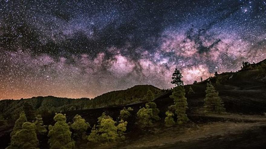 Imagen premiada en el certamen 'Paisaje astronómico desde La Palma' del Concurso Internacional de Astrofotografía 2017.