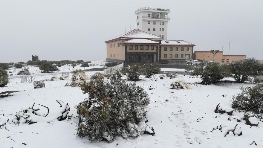 El Observatorio de Izaña, tras la nevada de este lunes