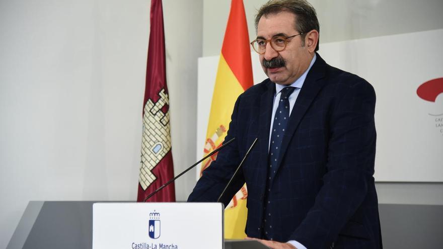 El consejero de Sanidad de Castilla-La Mancha confirma el toque de queda entre las 23:00 y las 6:00 horas