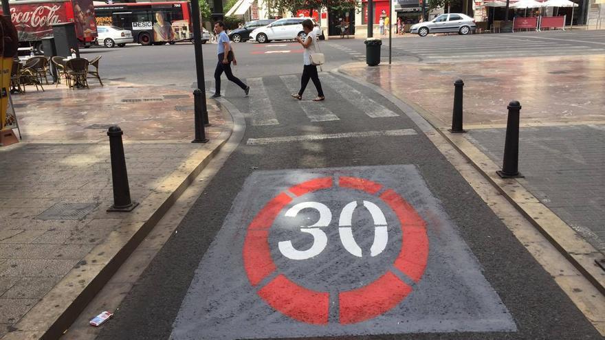 Las nuevas señales que marcan la zona 30 del centro histórico