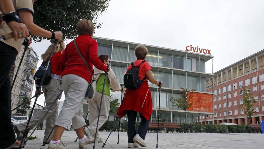 El Ayuntamiento de Pamplona propone a los ciudadanos 'Marchas Nórdicas' para esta primavera