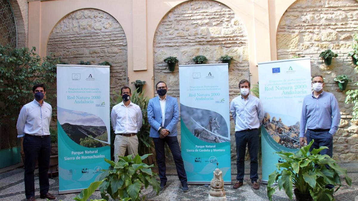 El delegado de Desarrollo Sostenible del Gobierno andaluz en Córdoba, Giuseppe Aloisio (centro), en la presentación de las actividades.
