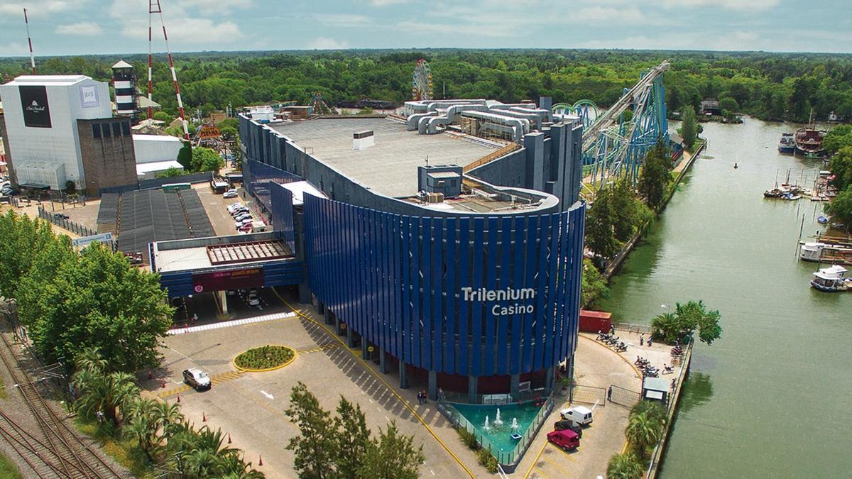 Casino Trilenium, buque insignia de Boldt
