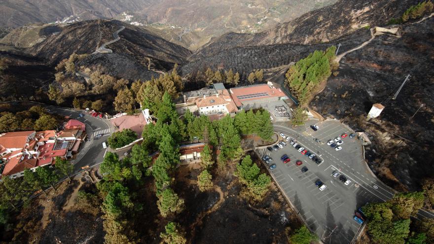 Vuelo de reconocimiento del GES sobre el terreno afectado por el incendio de Gran Canaria