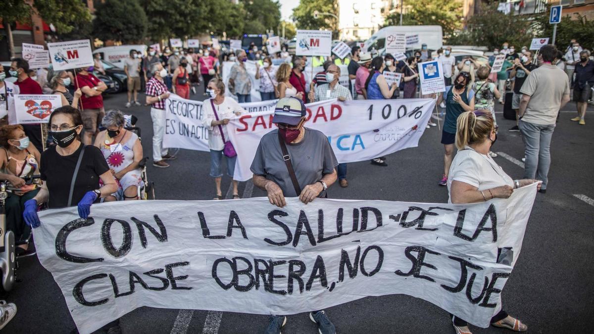 Una de las concentraciones de Madrid por la Sanidad Pública y contra el cierre de los centros sanitarios