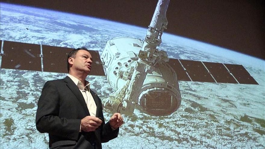 """López-Alegría prevé que en 2014 viajarán turistas """"no hiperricos"""" al espacio"""