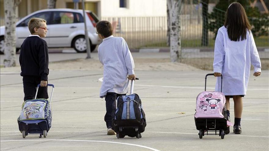 El 27% de los niños de la UE está en riesgo de exclusión. EFE