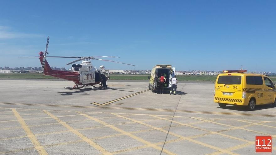 Trasladado a Burgos en helicóptero un hombre de Torrelavega que se ha cortado dos dedos con una sierra eléctrica