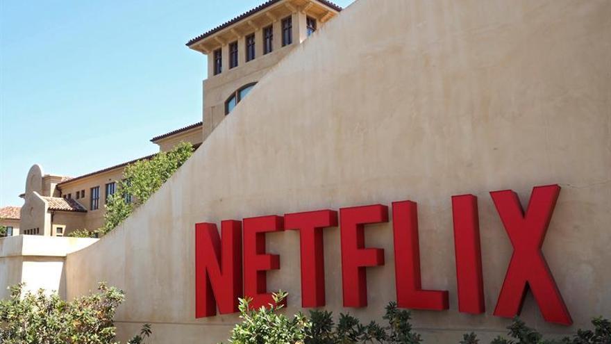 Netflix permite la descarga de contenidos para su visionado sin conexión