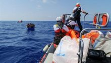 Cinco países de la UE se reparten los migrantes del Aquarius