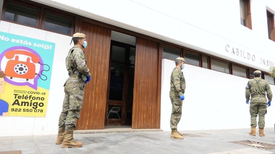 Vigilancia militar en las calles de El Hierro
