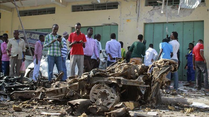 Al menos 9 muertos en un atentado contra un gobernador somalí en Mogadiscio
