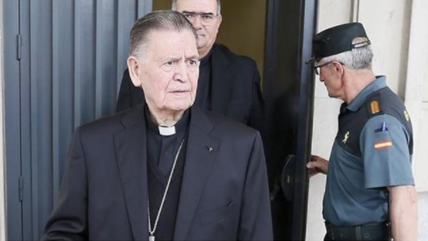 El obispo de Cádiz.