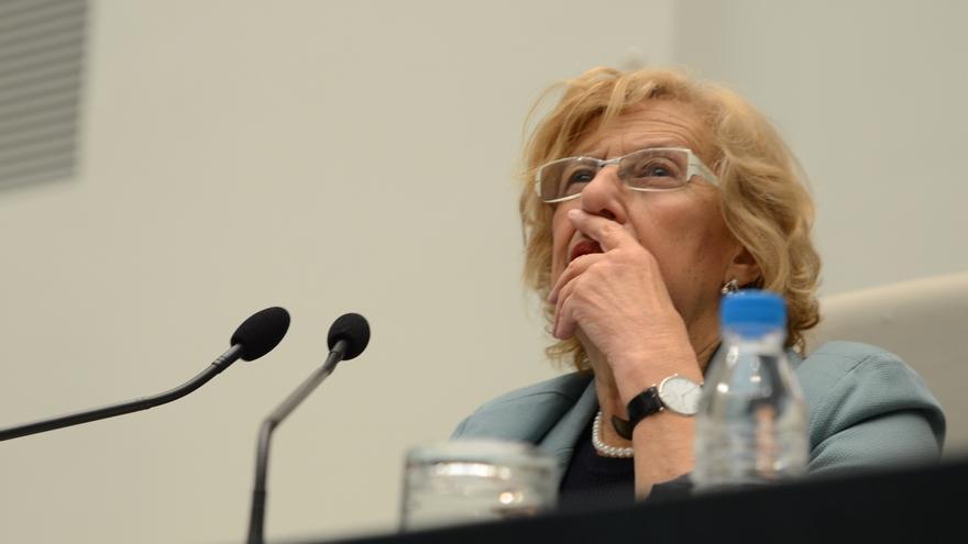 """Carmena llama a aprender a no callar con """"ese Mediterráneo lleno de muertos"""" y a """"rebelarse"""" para parar guerras"""