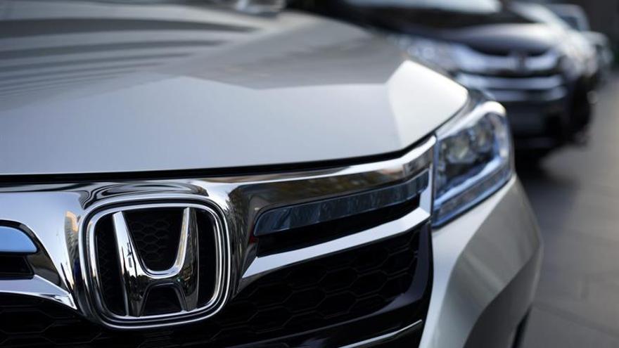 Caen en 2015 la producción, ventas e importaciones de vehículos japoneses